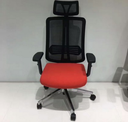 China Cheap Office Mesh Computer Seats Staff Chair with Adjustable Plastic Armrest in Alibaba